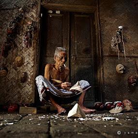 carver by Yaman Ibrahim - People Street & Candids