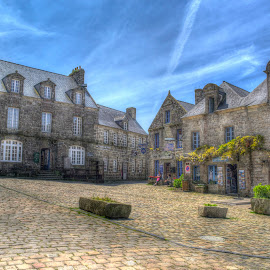 Locronan by Hraunið      Hekla - Buildings & Architecture Public & Historical ( locronan, finistere, france, brittany )