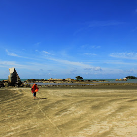 Untouched Paradise by Welly Yaptianto - Instagram & Mobile Android ( canon, sand, bangka, waterscape, 60d, beach, rocks )