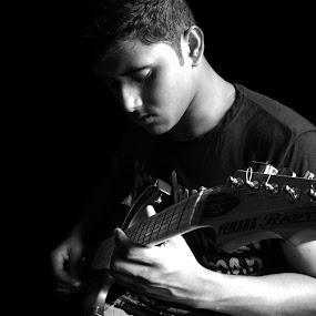 guitarist by Saptarshi Mandal - People Musicians & Entertainers ( music, guitar, portrait, entertainment, man )