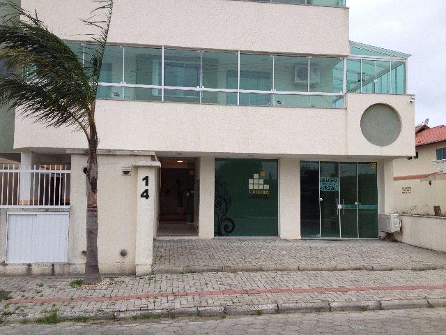 Apartamento mobiliado sendo 2 quartos, sala, cozinha, banheiro, sacada com churrasqueira em Pereque