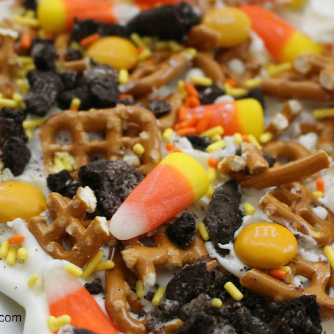 Autumn Oreo Pretzel Bark