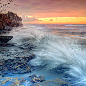 Continous Splash by I Gusti Putu Purnama Jaya - Landscapes Waterscapes