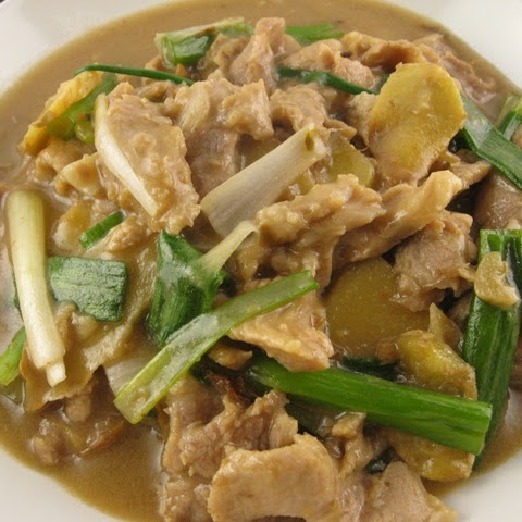 Stir-fry Pork with Ginger and Scallion
