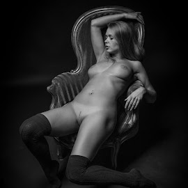sexy by Reto Heiz - Nudes & Boudoir Artistic Nude ( studio, erotic, sedutive, nude, nudeart, lowkey )
