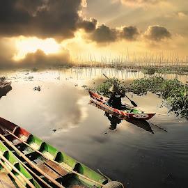 in to the light by Irwan Setiawan - Digital Art Places ( digitalart, landcape, ambarawa, indonesia, rawapening,  )