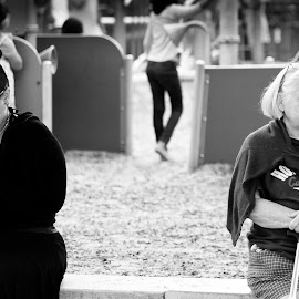 by Todd Dubé - People Street & Candids ( blackandwhite, technology, park, society, black and white, street, parks, candid, documentary, bnw, people, women )