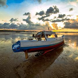 Boat otak rote by Dandy Yunanto - Landscapes Sunsets & Sunrises ( sunset, boat )