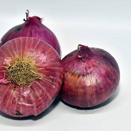 Onion by Vin Shutterbug - Food & Drink Fruits & Vegetables ( savala, allium, vengayam, ulli, sambar onion, onion, veenkayam )