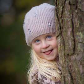 Mathea by Jan Egil Sandstad - Babies & Children Child Portraits ( mathea )
