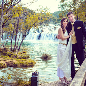 Bride Groom croatia by Boštjan Vučak - Wedding Bride & Groom ( nature, park, krka, bride, groom )