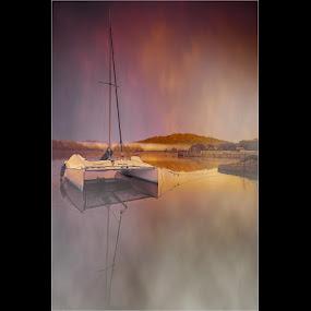 by Stephen Hooton - Uncategorized All Uncategorized ( lakes, boat )