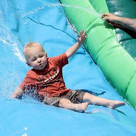 Splash by Barbara Tomlin - Babies & Children Children Candids ( KidsOfSummer )