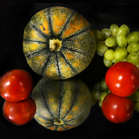 In the beauty of fruits by Arvind Akki - Food & Drink Fruits & Vegetables ( tomato, grapes, green, fruits,  )