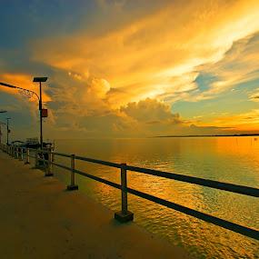 Sunrise @ pier by Sigit Setiawan - Landscapes Sunsets & Sunrises ( claudy, tanjung tinggi, indonesia, pier, sunrise, lamp post, belitung )