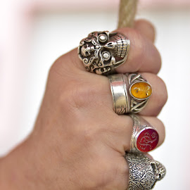 Rings by Marco Bertamé - Artistic Objects Other Objects ( hand, ring, red, rope, metal, blur, yellow, four, sdof )