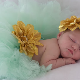 pretty baby... by Dawna Hall-Kraus - Babies & Children Child Portraits (  )