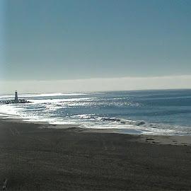 Morning sun by Arlita Baptista - Landscapes Beaches