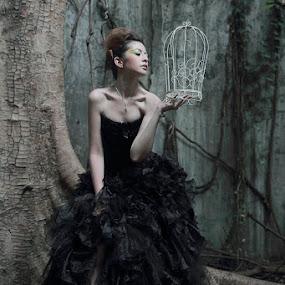 Empty Heart by Julia Lawrenci - People Fashion ( portrait )