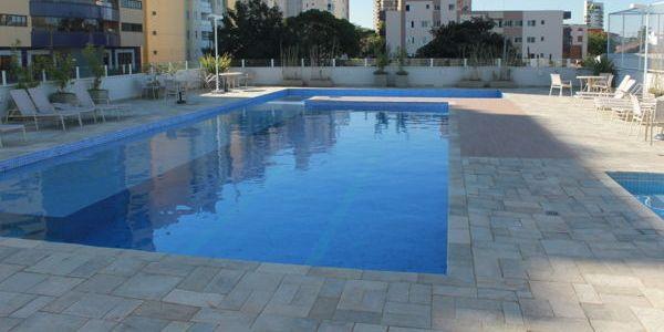Apartamento com 3 dormitórios para alugar, 75 m² por R$ 1.390/mês - Vitória - Londrina/PR