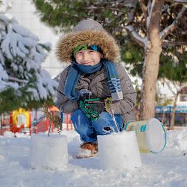 PAMUK ŞEKERİ by Veli Toluay - Babies & Children Child Portraits ( kar, çocuk, kış, kar tanesi, şeker )