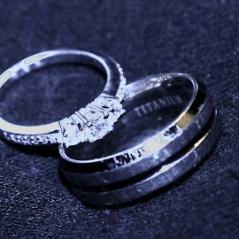 by Steve Mourgos - Novices Only Macro ( love, two, rings )