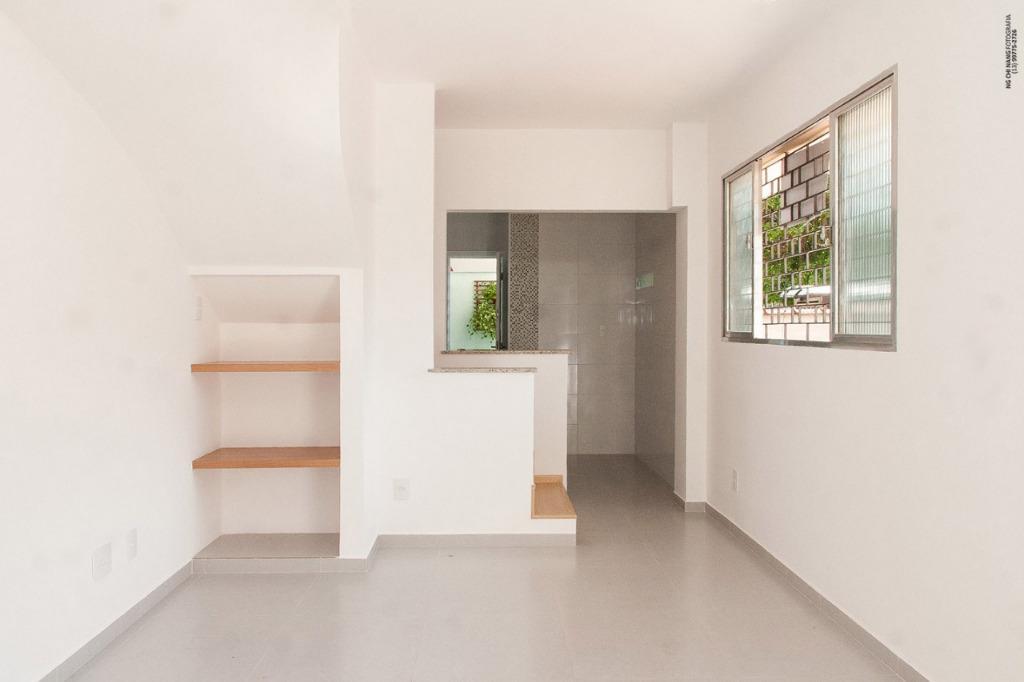Sobrado com 2 dormitórios à venda, 90 m² por R$ 450.000 - Embaré - Santos/SP