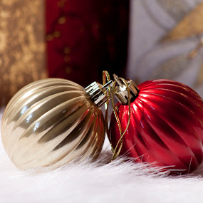 Christmas Bulbs by Mitzi Sibert - Public Holidays Christmas ( holiday, red, christmas, gold, depth )