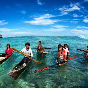 Children of Semporna by Siew Jun Han - News & Events World Events ( child, semporna, boats, children, sea, malaysia, ocean, kids, sabah )