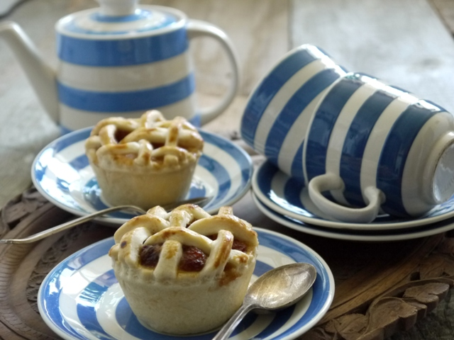 Mini Lattice Apple Pies Recept | Yummly