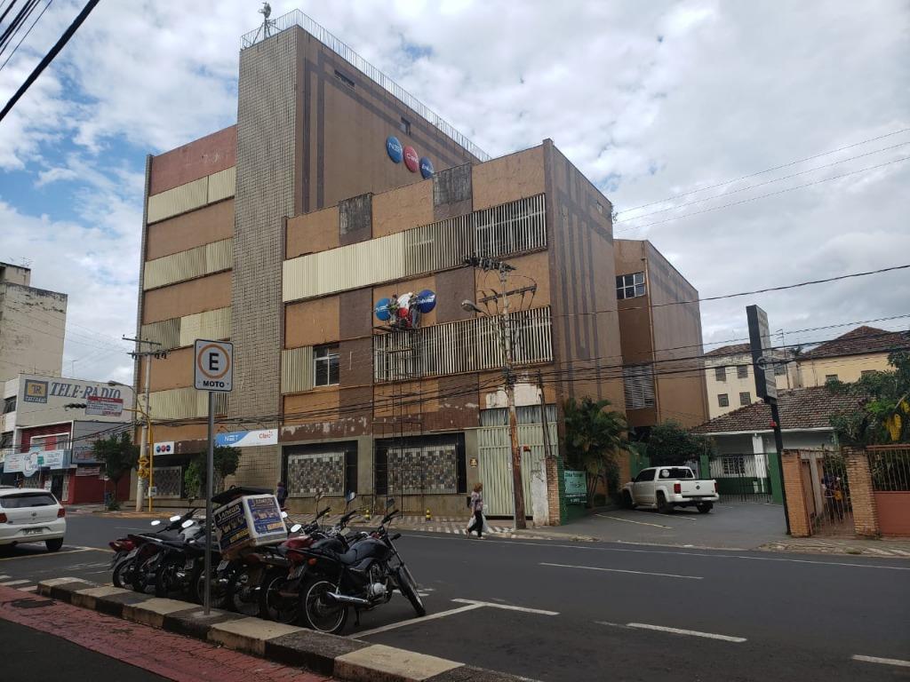 Andar Corporativo para alugar, 2268 m² por R$ 6.000,00/mês - Centro - Uberaba/MG