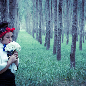Snow White by Robbie Caccaviello - People Fine Art ( stormy, scary, lost, eposes, sad, white, happiness, forest, shadows, love, red, blue, ribbon, dark, bow, flowers, modern fairytale, snow white, kisses )