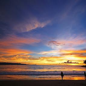 Sunset Pelabuhan Ratu by Mulawardi Sutanto - Landscapes Sunsets & Sunrises ( pelabuhan ratu, beach, sunset, keren abis, west java, sukabumi, travel )