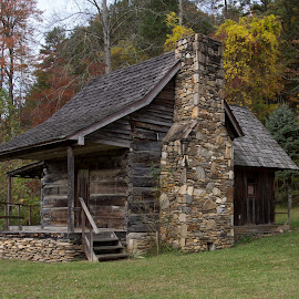 SV-2014 PA249020 by Ross Boyd - Buildings & Architecture Public & Historical ( nc, fall, historical, log cabin, smokey mountains )