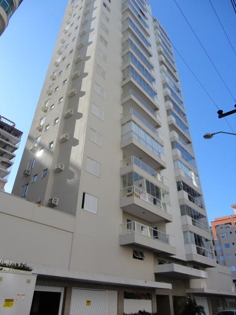Apartamento com 4 dormitórios à venda, 150 m² por R$ 690.000 - Meia Praia - Itapema/SC