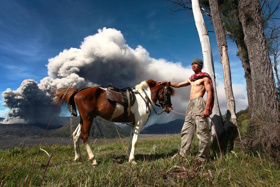 Bromo's Horseman IV by Perak Man - People Street & Candids
