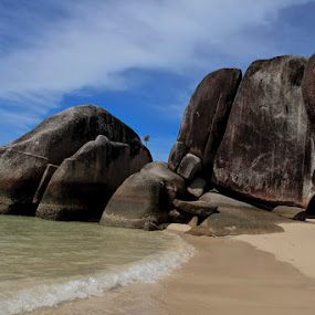 The Big Rocks Formation at Belitong by Basuki Mangkusudharma - Landscapes Caves & Formations ( belitong, big rocks, formation )