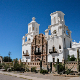 Mission San Xavier by Tom Anderson - Buildings & Architecture Places of Worship ( september 2015, tuscon, church, mission san xavier, mission, arizona, roman catholic church )