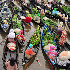 by Sofian Anwar - News & Events World Events ( market, traditional, boat )
