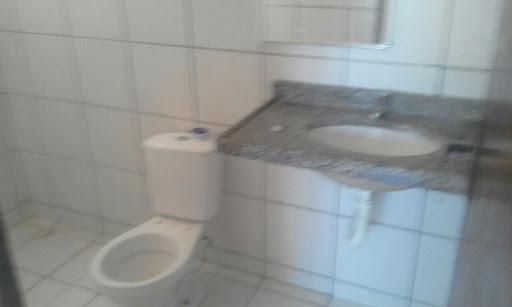 Apartamento com 3 dormitórios para alugar, 65 m² por R$ 800