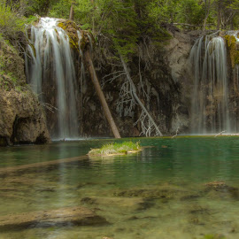 by Liam Vo - Landscapes Travel ( hanging lake, colorado )