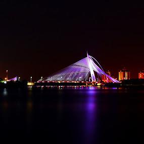 seri wawasan bridge I by Mohd Shahrizan Taib - Buildings & Architecture Bridges & Suspended Structures ( zuiko lens, putrajaya, night, tripod, slow shutter )