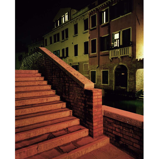 Giovanni Cocco, At what time does Venice close 10