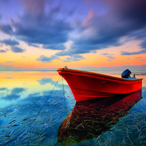 i'm alone by Herry Suwondo - Transportation Boats ( bali, sanur, sunrise, boat )
