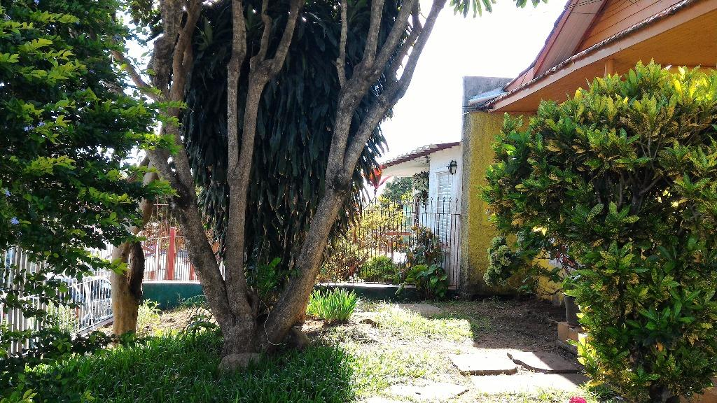 Casa de 4 dormitórios em Cavalhada, Porto Alegre - RS