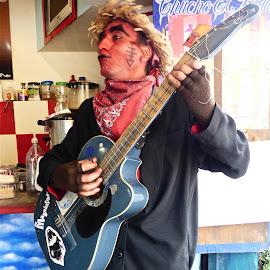 LUCHO EL TROVADOR by Jose Mata - People Musicians & Entertainers