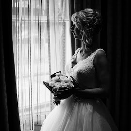 The Bride... by Tom Gancarz - Wedding Bride ( documentary wedding photography cheshire, black and white, wedding photography manchester, warrington, the bride )