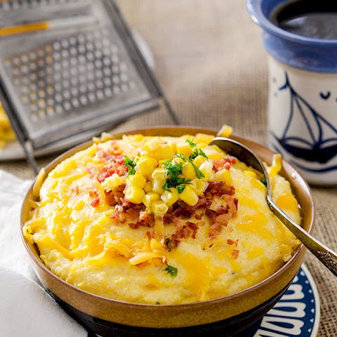 The Best Creamy Grits with Cheese