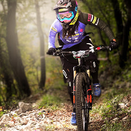 mtb portrait by Uroš Hladnik - Sports & Fitness Cycling ( girl, bike, cycling, sport, portrait )