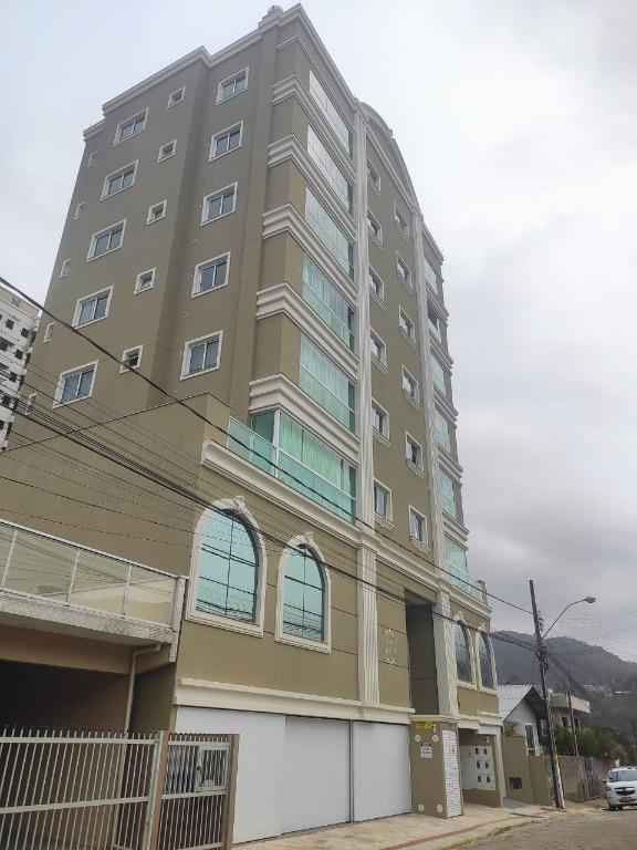 Apartamento Diferenciado com 2 dormitórios à venda, 70 m² por R$ 350.000 - Varzea - Itapema/SC